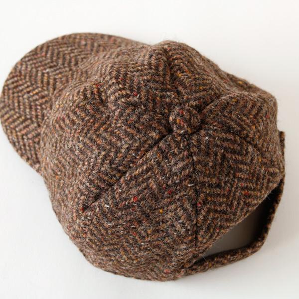 ツイードの帽子。