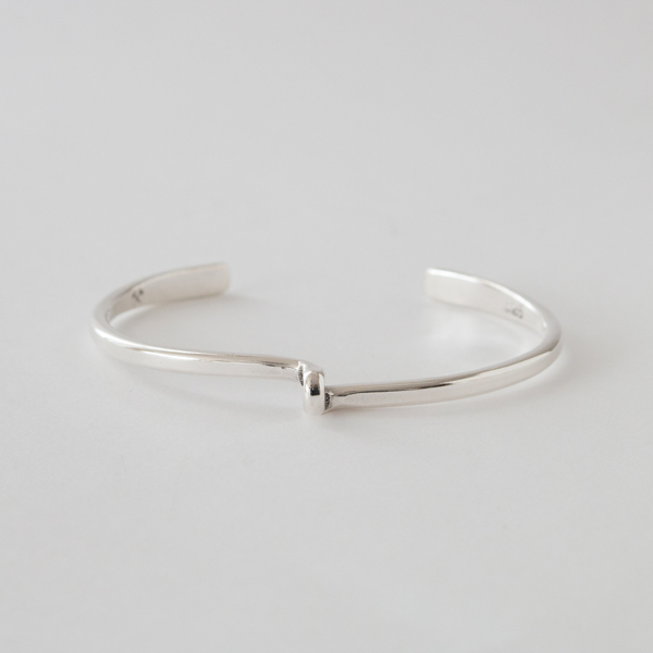UNISEX BANGLE STUDEBAKER AVANTI CUFF  POLISHED