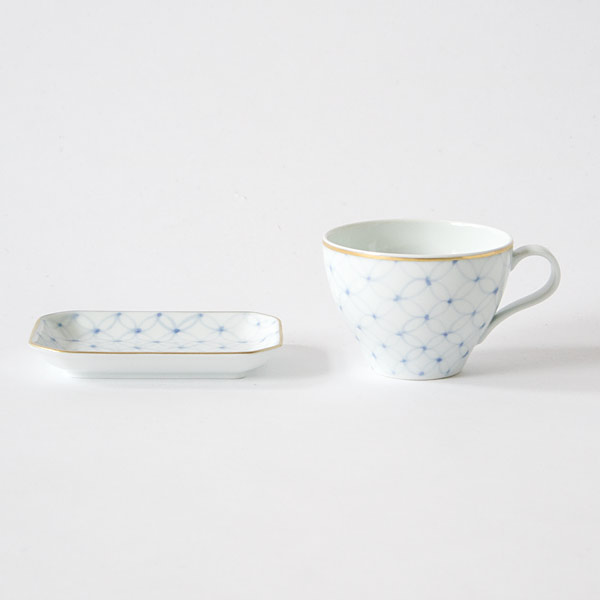 ARITA PORCELAIN TEACUP AND SMALL PLATE