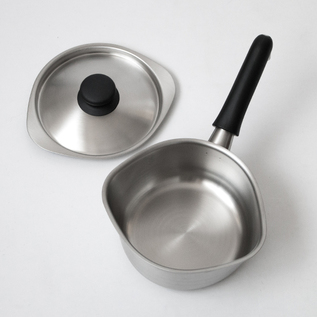 Small pan with lid