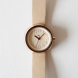 お洒落でシンプルな可愛い腕時計「ALBA リキ腕時計 AKQK425 ベージュ