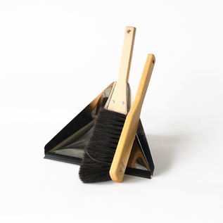Dust pan set