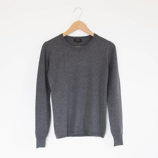 Women crew neck sweater gray