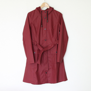 Curve Jacket Bordeaux raincoat