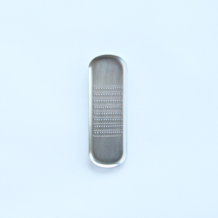 Oval spice grater
