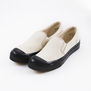 SHELLCAP MOULD SLIP ON KINARI/BLACK