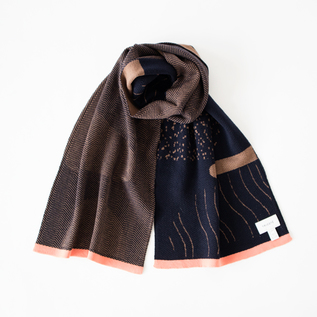 REVERSIBLE KNIT SCARF