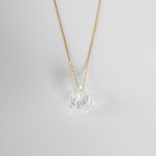 NECKLACE WHITE CLOVER 1
