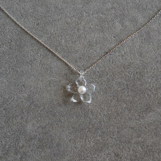 BESPOKE Pearl Necklace Little Flower