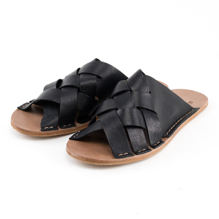 M SANDALS. HYACINTH LEATHER BLACK