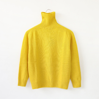LAMBS WOOL HIGH NECK SWEATER