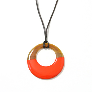 CIRCLE PENDANT IN MARBLE HORN AND  LACQUER