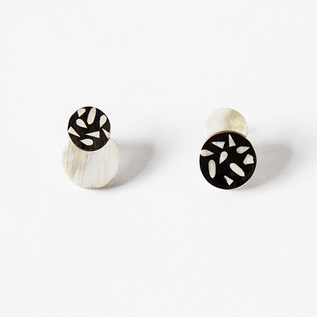 HORN CIRCLE CLIP EARRINGS