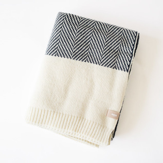 THROW HERRINGBONE