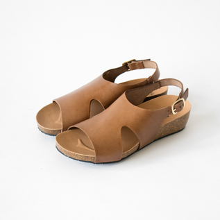 LEATHER SANDALS 243033
