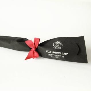 ブランドオリジナルの不織布のラッピング包装でお届けします