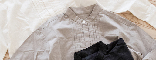 【ZUTTOオリジナル】一枚でサマになる、綿ウールピンタックシャツ。