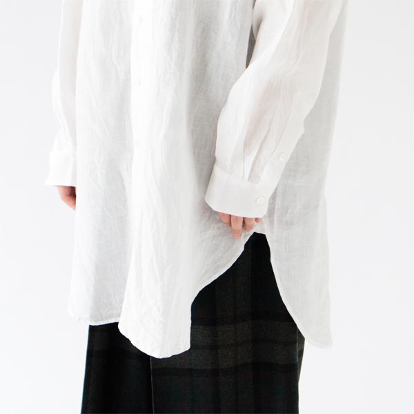 アンティークのシャツに見られる、前立てがラウンドしたデザイン