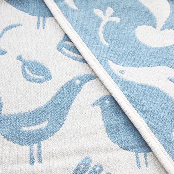 北欧らしい鳥の模様が描かれたデザイン(ダブルフェイスになっています)