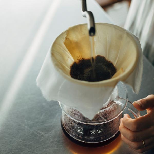 ドリッパーのフィルターとしてコーヒーを淹れるのも良いですね。
