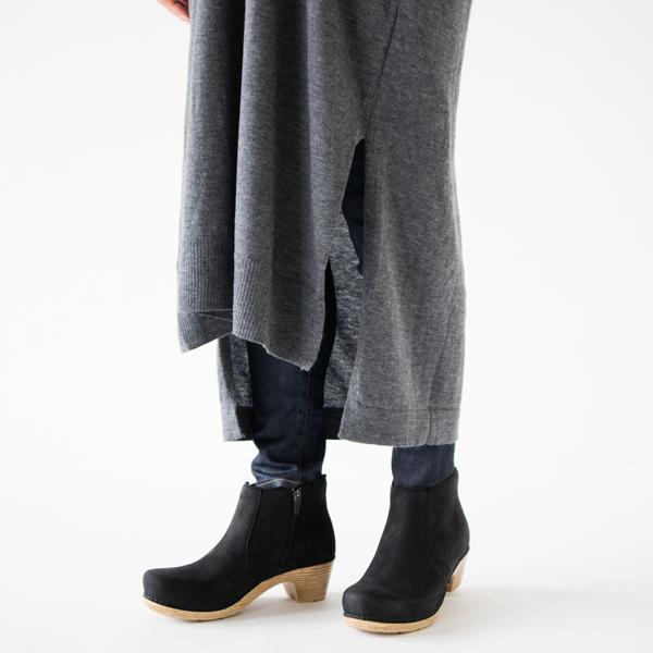 裾スリット(中に穿いているレギンスは商品に含まれません)
