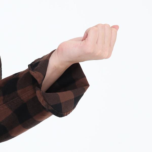 一つ折りにした袖