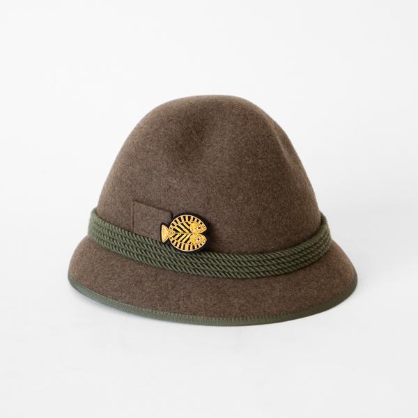 帽子のワンポイントに(うお座)