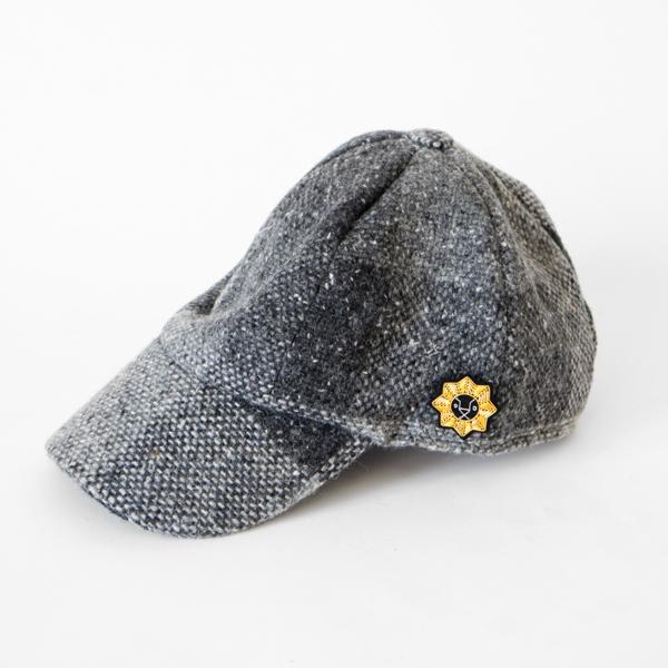 帽子のワンポイントに(しし座)