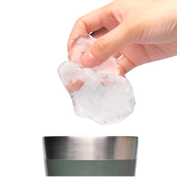 大きな氷も入る口の広さ