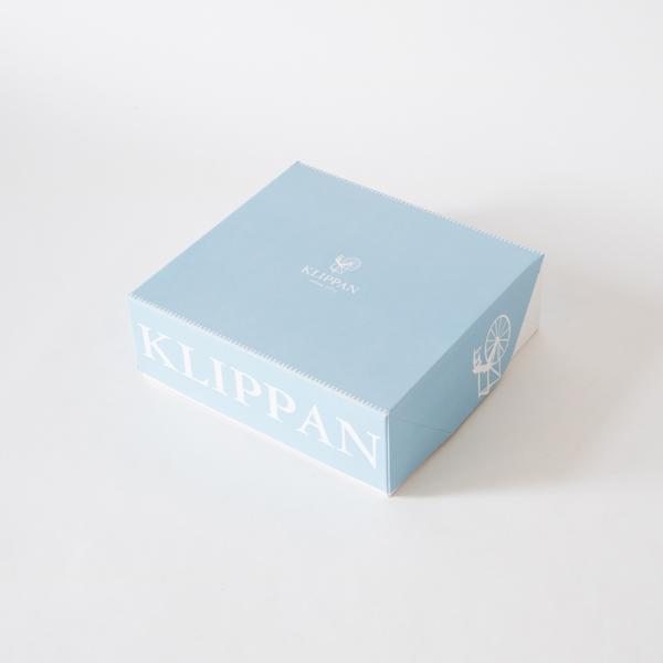 ラッピングご希望の場合は、この上から包装紙&リボンをお掛けします。