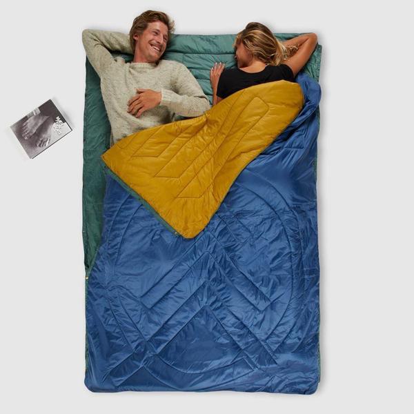 スナップボタンで連結すれば2人用寝袋(シュラフ)に ※画像はお取り扱いのないカラー