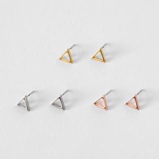 Catchless earrings triangle