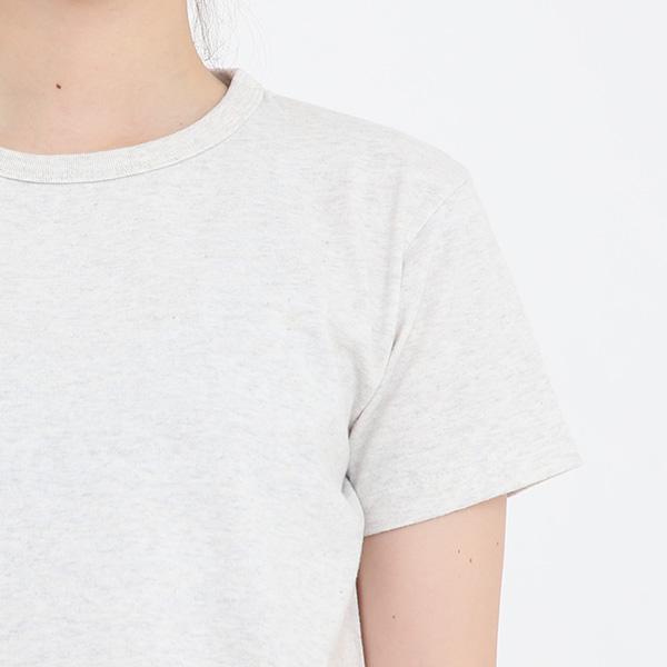 シンプルで着心地の良いTシャツ