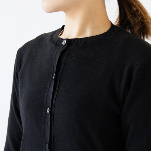 スタンダートな丸襟のデザイン(NERO UINITO)