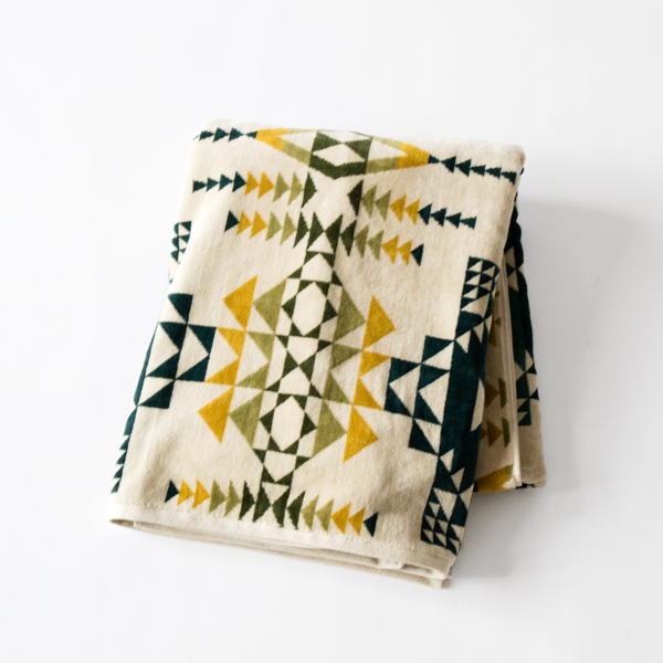 Oversized Jacquard Towels(PILOT ROCK)