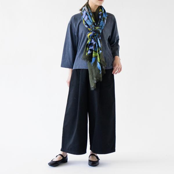 着用イメージ(KHAKI、モデル162cm)