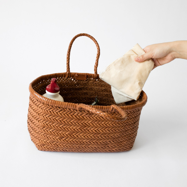 小さくたためるので、持ち運びにも便利。