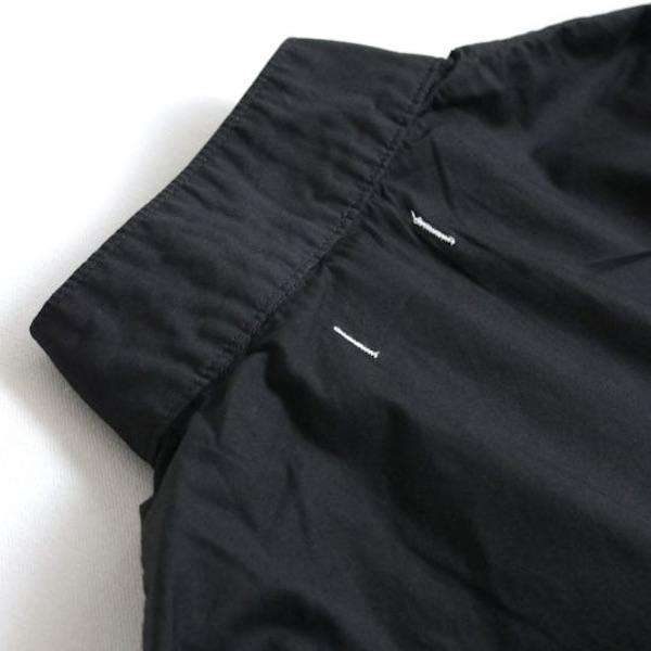 後ろ襟ぐり(BLACK)