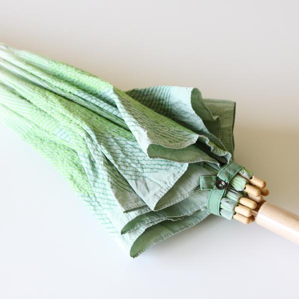 白菜の葉の皺を表したような刺繍が可愛いらしいです