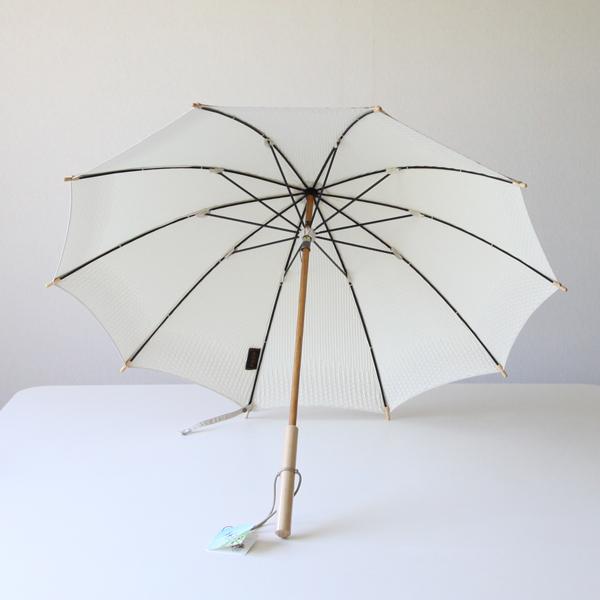 大切に使いたくなる日傘です