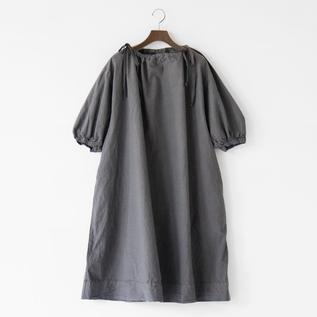 ギャザースモックドレス