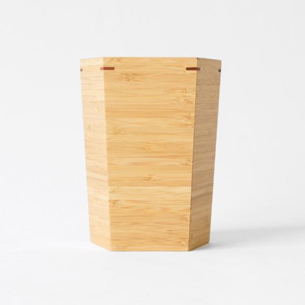 表面に現れる積み重なった竹のストライプ模様が美しいです。