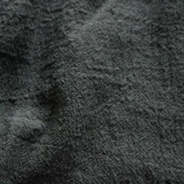 シワ加工が施されたキャンバス素材(CHARCOAL)