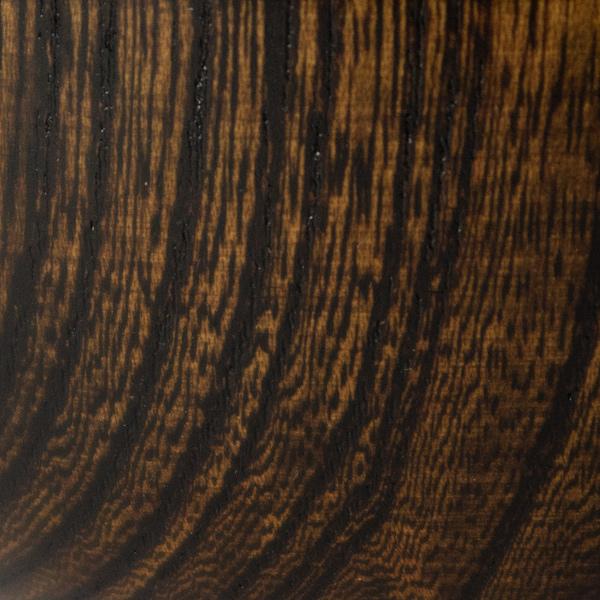 お椀によって木目の表情が異なります(拭き漆 黒漆)