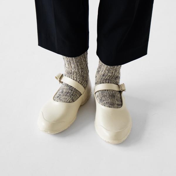 靴下とあわせるのもおすすめです