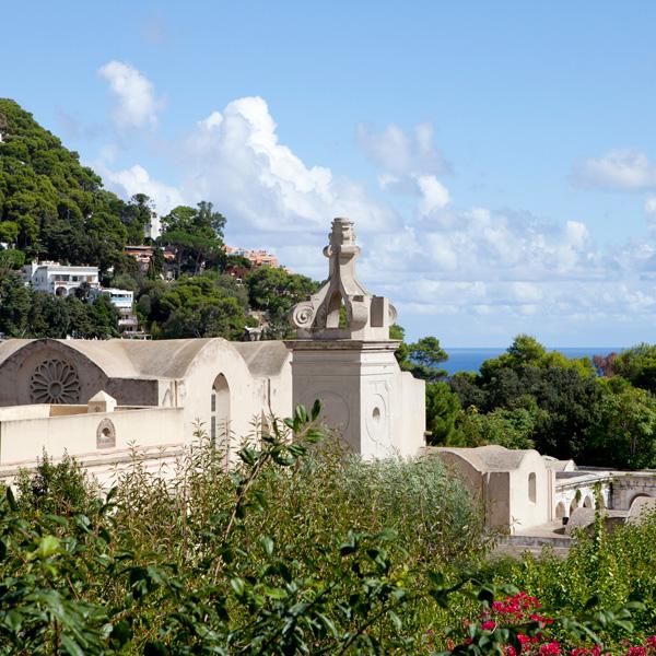 イタリアの輝く海に浮かぶカプリ島で生まれたフレグランス