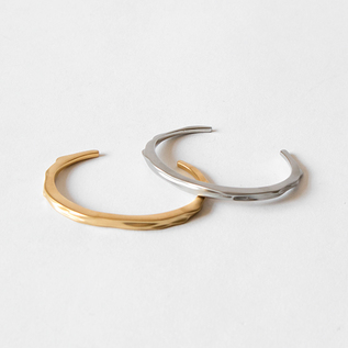 OPAQUE OBJECTS CUFF