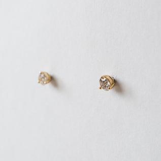 BESPOKE CATCHLESS EARIINGS DIAMOND
