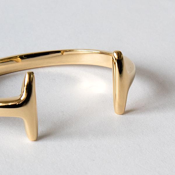 シンプルながら個性的なデザイン(KH0027)