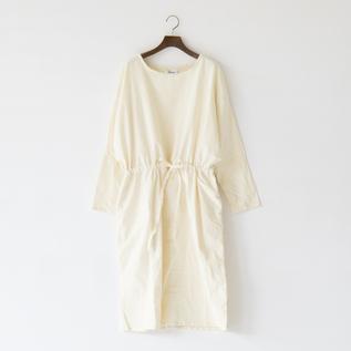 ドロースモックドレス